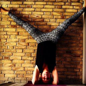 yoga headstand2 Rohima